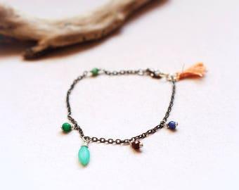Minimalist & boho gemstone bracelet with blush tassel, wire wrapped stones on black chain, Hemimorphite, Garnet, Sodalite, Zoisite and Jade