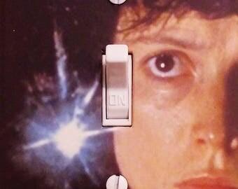 Aliens Movie Sigourney Weaver Classic Movie Thriller Sci-Fi Mancave Home Theater Den Dorm Free US Shipping