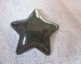 Black glitter star needle minders  magnet badge