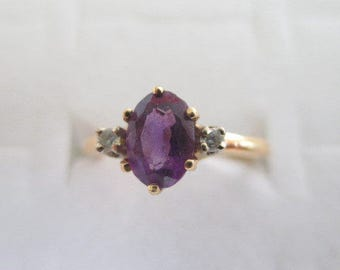 14k Yellow Gold Amethyst Diamond Accent Ring 2.6 grams Size 5.5