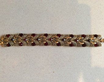 Red paste and heavy gilt 1950s bracelet