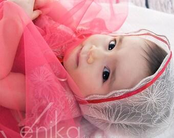 gild lace baby bonnet with trim