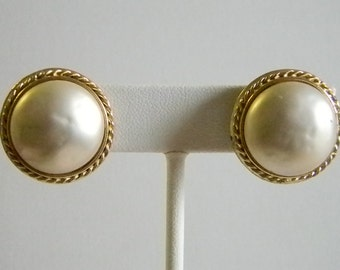 Nettie Rosenstein Gold Tone Pearl Like CLip Earrings