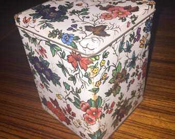 Vintage Daher floral design hinged tin
