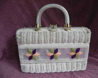 1960's or 1970's White Wicker Straw Handbag Box Purse with Lucite Flowers and Handles