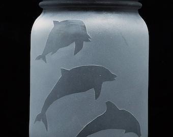 Solar Mason Jar Light (Hand Etched Dolphins)