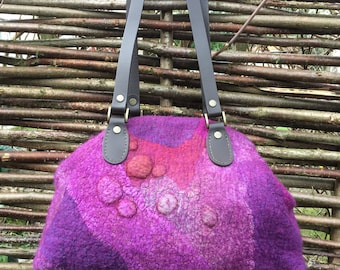 Custom-made Nuno-Felt Carpet-bag ( 8-inch frame)