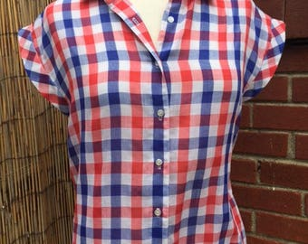 Vintage women's short sleeve button down/Plaid/Size:8/Small/medium