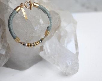 Stones  beaded bracelet, gold and silver beaded jewelry, pastel bracelet, minimalist design, boho bracelet, birthday gift for friend