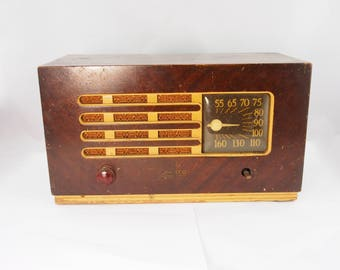 Vintage Philco Transitone Tube Radio. For Collectors Display. Not Working