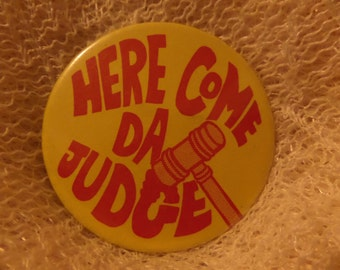 Vintage Brittany Here Come Da Judge Heart Throb Endangered Species KWBI 91.1 buttons or pins