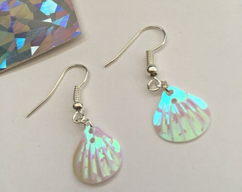 Mini Holographic / Iridescent pink and white mermaid shell earrings silver plated - Festival - Ibiza
