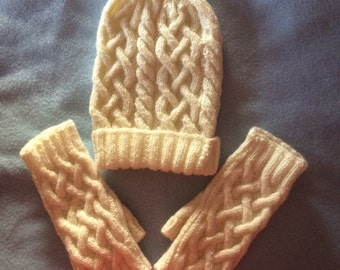 Knitted Cable Hat and Gloves.