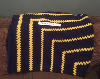 New Vintage blue snd yellow handknit afghan