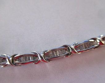 Stunning Vintage 2 CT Baguette Diamond Tennis Bracelet White Gold