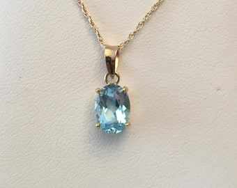 """Vintage 14k yellow gold Oval Blue Topaz Solitaire Pendant app. 1.40 ct, on thin 18"""" chain"""