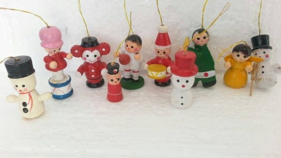 Bulk Christmas Ornament: Bulk Of 17 Mini Christmas Tree Wooden Vintage Ornaments