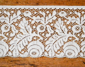 French Wide Floral Lace Trim. Vintage Supply of Beige French Chantilly Lace by the Yard