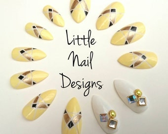 Press on false nails / geometric / yellow/ diamond