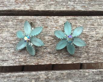 Vintage Frosted Light Blue Rhinestone Flower Earrings 0731