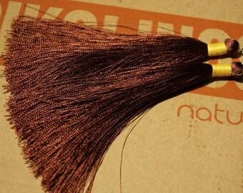 LOT of 2 100% chocolate brown colours length + - 11cm silk Pompom