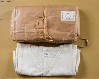Deadstock 1950s British Army Military T-shirt Desert WWII WW2 V Neck White Vintage LVC rrl USN Nigel Cabourn raf Buzz Rickson Real Mccoy