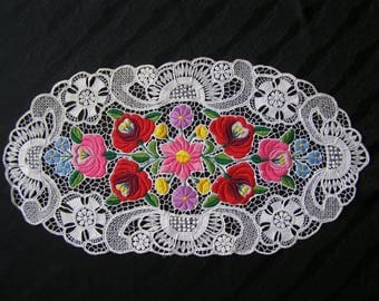 "Vintage, Hungarian  Hand made Kalocsa Lace 19,2"" x 10,2"""