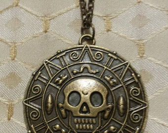 Pirates of the Caribbean Aztec Gold Coin Pendant Necklace Bronze Skull Coin Pendant