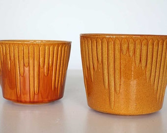 Set of 2 ocher-coloured flower planters/pots, by Dutch Pottery Company Erica, 70'ties