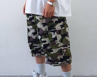 Baggy Lightweight Cargo Shorts Green Camo