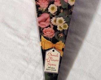 Vintage jigsaw puzzle 1996 unused in original triangular box, Bunch of Flowers, 200 piece