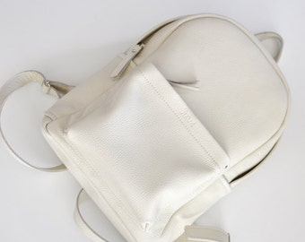 Milk leather backpack- Carbon