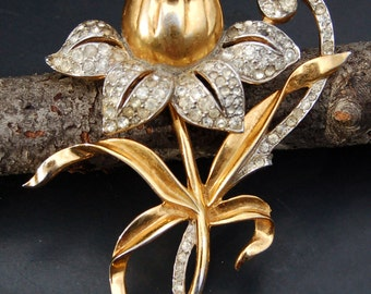 Large Vintage Rhinestone and Gold Tone Flower Brooch