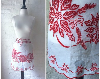 Vintage Red and White Scalloped Sheer Velvet Holiday Christmas Poinsettia Holly Waist Kitchen Apron