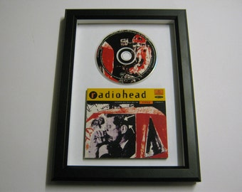 Radiohead OK Computer Creep High & Dry The Bends Fake Plastic Trees Street Spirit Paranoid Android Karma Police No Surprises Framed CD Gift