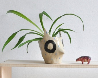 Trickster Ceramic Planter (Small) – Indoor plants – desk planter – white ceramic planter – pottery anniversary gifts