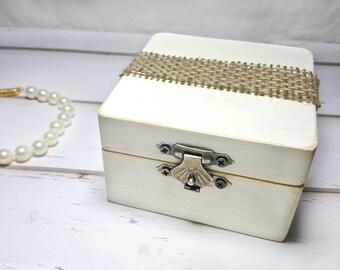 Barn Wedding Ring Box - Barn Wedding Ideas - Burlap Wedding Ring Holder - Barn Wedding Decorations - Country Wedding Ring Box - Ring Holder