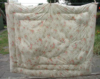 Vintage 1940s Double Cream Floral Feather Eiderdown Quilt - Needs Attention