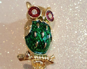 Colorful Green and Red Goldtone owl Pin Brooch Signed New View