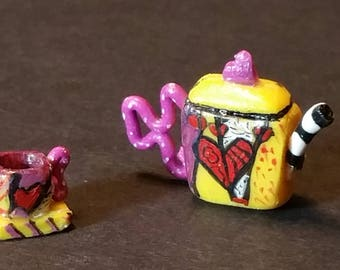 Dollhouse miniature 1:12 Scale Funky Teapot with Tea Cup and Saucer