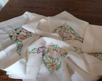 Embroidered table cloth, vintage table cover, country living, afternoon tea cloth, cutwork cloth, vintage gift