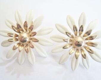 Sarah Coventry Metal Flower Clip Earrings