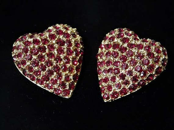 WEISS Ruby Red Pave Rhinestone Heart Brooch Scatter Pins Pair Jewelry Twins Sisters Birthday Gift Her Anniversary Mom Mother Mothers Day