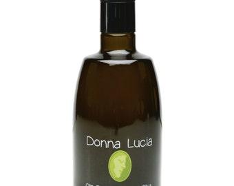 Donna Lucia Etichetta Nera