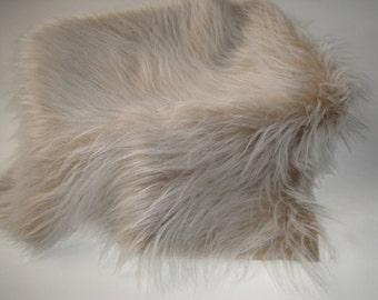 "Photo Prop Camel Frost Faux Fur, Fabric Basket Stuffer, Basket Filler, 20"" x 20"", 50cm x 50 cm"
