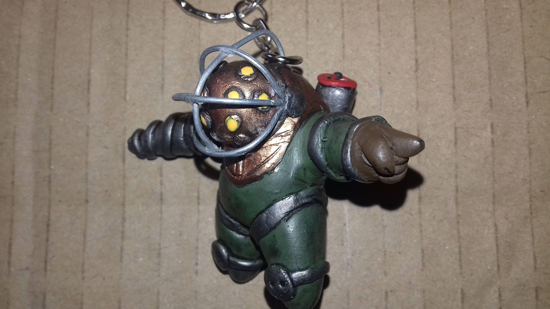 bioshock big daddy keychain
