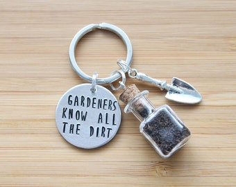 hand stamped keychain | gardeners know all the dirt