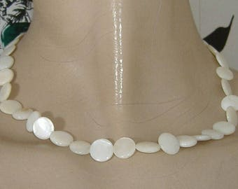 MOTHER OF PEARL vintage bead necklace art deco
