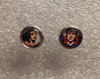 Ear plug wonder woman & Superman