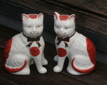 2 great Staffordshire ceramic cats vintage fireplace cat England 20cm